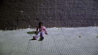 Детскую бедность убрали в Европе на второй план