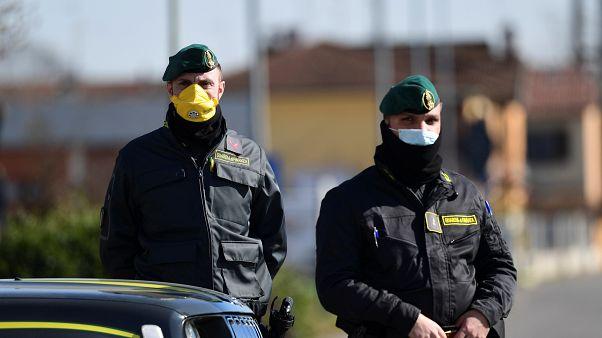 Coronavirus: più di 370 casi in Italia, guarita la turista cinese ricoverata allo Spallanzani