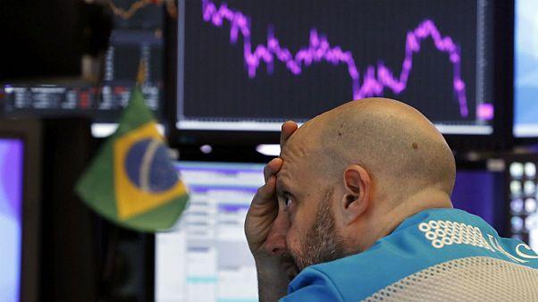 سقوط بازارهای جهانی نفت و سهام؛ رکوردشکنی بورس و دلار در تهران
