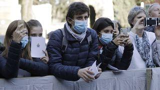 Propagação de coronavírus reforça receios na Europa