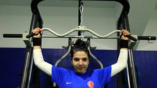 Özel sporcu Esra Bayrak