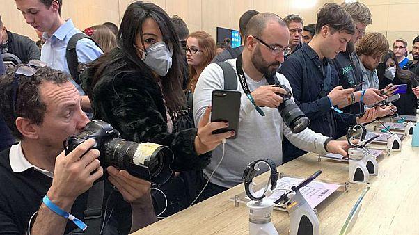 """""""كورونا"""" يلغي مؤتمراً عالمياً للهاتف المحمول في برشلونة"""