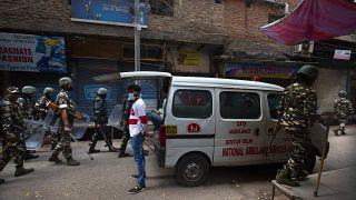 شمار قربانیان درگیریهای هند همزمان با سفر ترامپ به ۲۴ نفر افزایش یافت