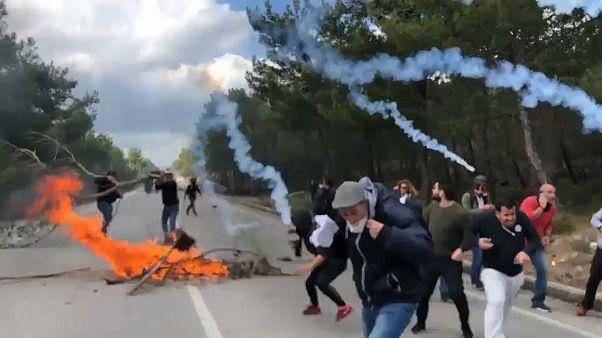 Gegen Auffanglager für Flüchtlinge: Auf den griechischen Inseln kracht's