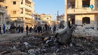 Luftangriffe auf Idlib und neue Warnungen der Türkei