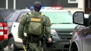 Atirador mata cinco pessoas nos EUA