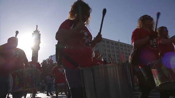Más ilusión que crispación en el inicio de la campaña del referéndum constitucional en Chile