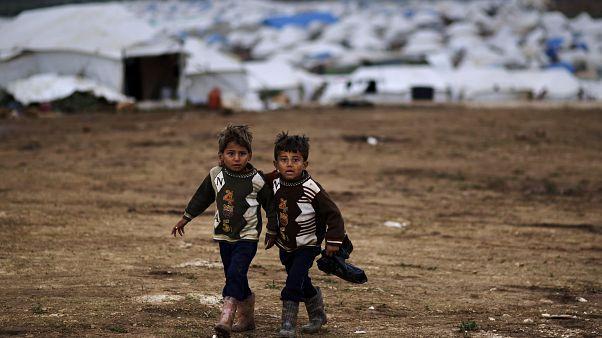 شاهد: مليون لاجئ سوري يكتظ بهم مخيم عتمة جراء أتون معارك إدلب