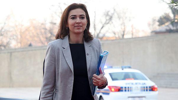 25.000 Hassmails gegen aus Bosnien geflüchtete Ministerin Alma Zadic