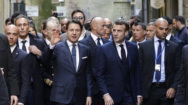 """Coronavirus, Macron: """"frontiera con Italia resta aperta"""". Ma altrove è blocco"""