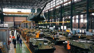 روسیه تانکهای تی-۳۴ اتحاد جماهیر شوروی را تعمیر میکند