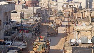 مقتل 33 جنديًا تركيًا في إدلب وأنقرة تطلب إقامة منطقة حظر جوي شمال غرب سوريا