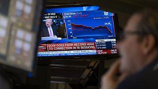 Caídas en los monitores del parqué de la Bolsa de Nueva York el jueves 27 de febrero de 2020.