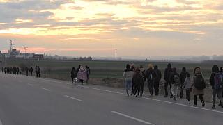 Refugiados rumam à Europa através da Turquia
