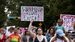 قتل متحولة جنسياً لاستخدامها حمام السيدات في ماكدونالدز