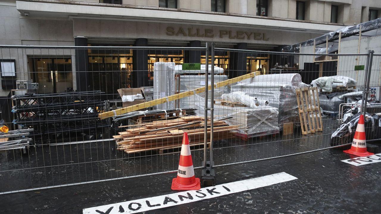 César-átadó előtt: a tüntetők is készülnek a gálára