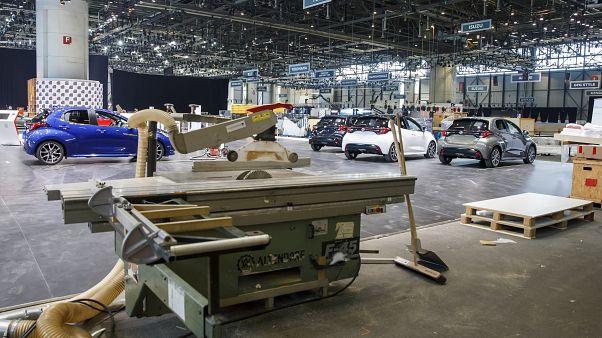 Tabalhadores suspendem preparativos da feira automóvel suíça