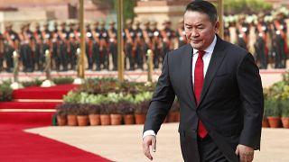 Монгольского президента поместили на карантин из-за коронавируса