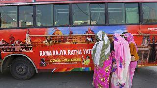 الهند تحوّل الحافلات القديمة إلى مراحيض للنساء