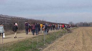 Premiers départs de migrants hébergés en Turquie après les annonces d'Ankara