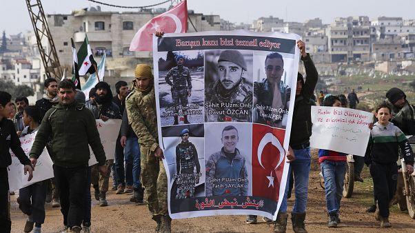 تركيا تحجب مواقع التواصل الاجتماعي عقب مقتل 33 من جنودها في سوريا