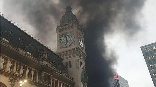 Paris Gare de Lyon: Major fire forces station evacuation