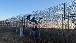Yunanistan: Sınırı geçmeye çalışan 4 binden fazla kişiyi engelledik