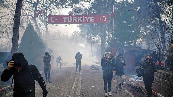 إردوغان: سنبقي حدودنا مع أوروبا مفتوحة أمام المهاجرين وقلت لبوتين ابتعد عن طريقنا في سوريا