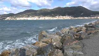 Migranti: le isole greche temono l'invasione dopo l'apertura del confine turco