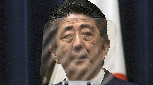 Japonya Kovid-19 ile mücadele için 2,5 milyar dolarlık paket açıkladı