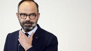 Governo francês força aprovação da reforma das pensões
