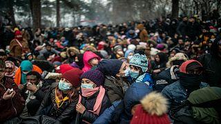 توافد كبير للمهاجرين على الحدود التركية اليونانية