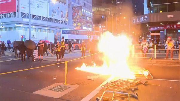 Confrontos regressam a Hong Kong
