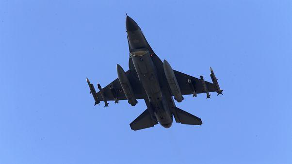 دمشق تقول إن تركيا اسقطت طائرتين سوريتين في منطقة إدلب