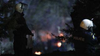 Αστυνομικές δυνάμεις στα σύνορα με την Τουρκία στο τελωνείο στις Καστανιές Έβρου το οποίο παραμένει κλειστό