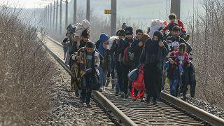 Migrations : Ankara augmente la pression, des milliers de migrants affluent