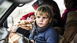 گرفتار میان دو ارتش به روایت تصویر؛ یک میلیون آوارۀ ادلب جایی برای رفتن ندارند