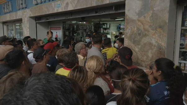 Escenas de pánico en Ecuador, donde se registra el primer caso por coronavirus