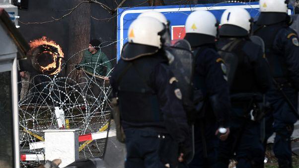 No comment: összecsaptak a görög határőrökkel a bevándorlók