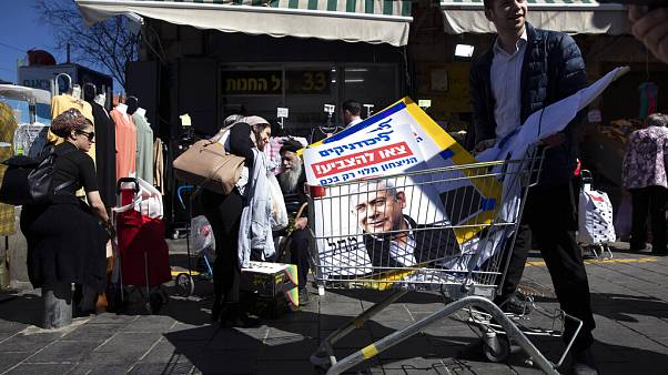 Koronavírus-álhírektől tartanak Izraelben a választás napján