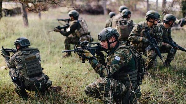 Ελληνικός Στρατός: Βολές με πραγματικά πυρά σε Έβρο και ανατολικό Αιγαίο