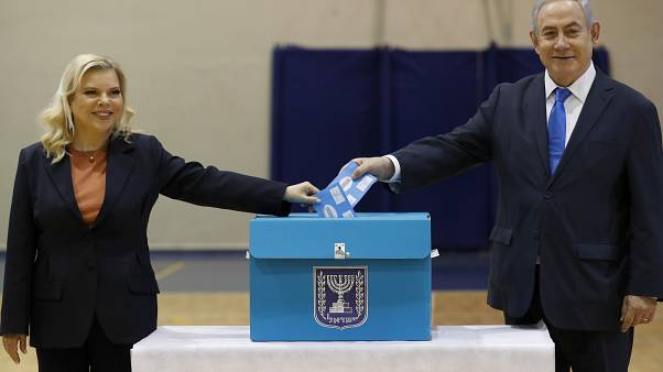 Benjamin Netanyahu vence sem maioria