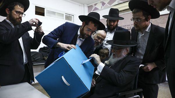 Egy éven belül újabb parlamenti választások Izraelben