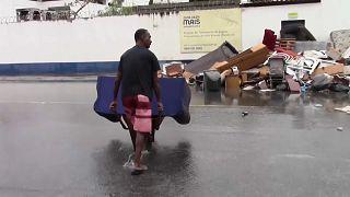 Cheias no Rio de Janeiro fazem pelo menos quatro mortos
