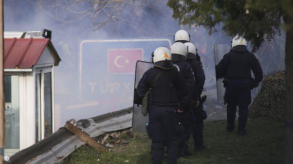Ένταση μεταξύ αστυνομίας και μεταναστών την Κυριακή 1 Μαΐου