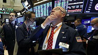 تزریق مسکن به بازارهای مالی؛ تب کرونا در بورسهای جهانی پایین آمد