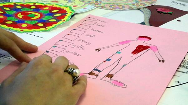 How can art and alternative therapy help children with health conditions?