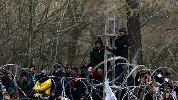 پناهجویان سرگردان در مرز؛ سران اتحادیه اروپا به یونان میروند