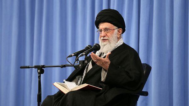 از توییت خامنهای تا نامه ظریف؛  آیا دومین «نرمش قهرمانانه» ایران در راه است؟
