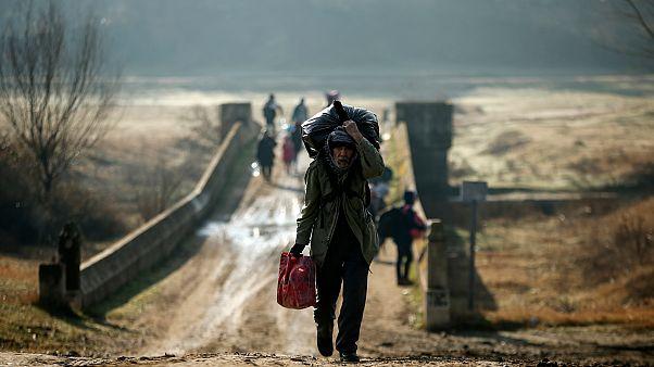 Avrupa Birliği'nden Türkiye'ye mülteci tepkisi: Kimse AB'ye şantaj yapamaz, yıldıramaz
